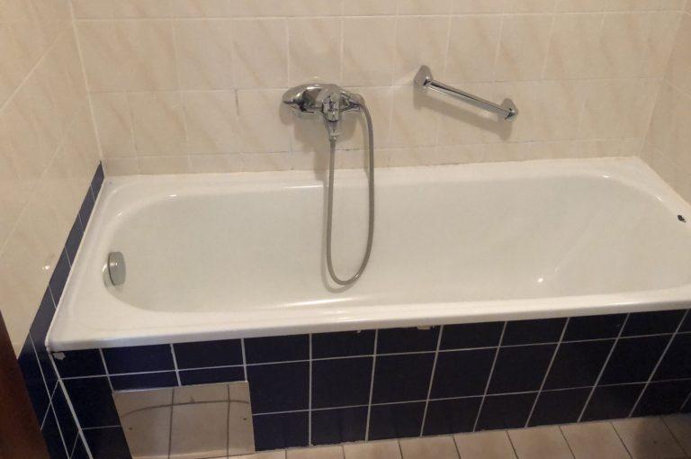 Altes Bad zum Sanieren